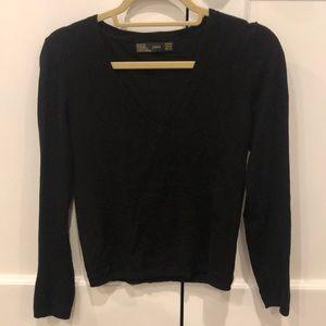 Zara classic women's V neck sweater, Medium